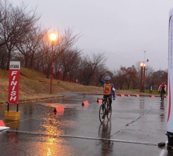 http://www.cyclocross.jp/news/CCM2017Iiyamaday1M40goal.jpg
