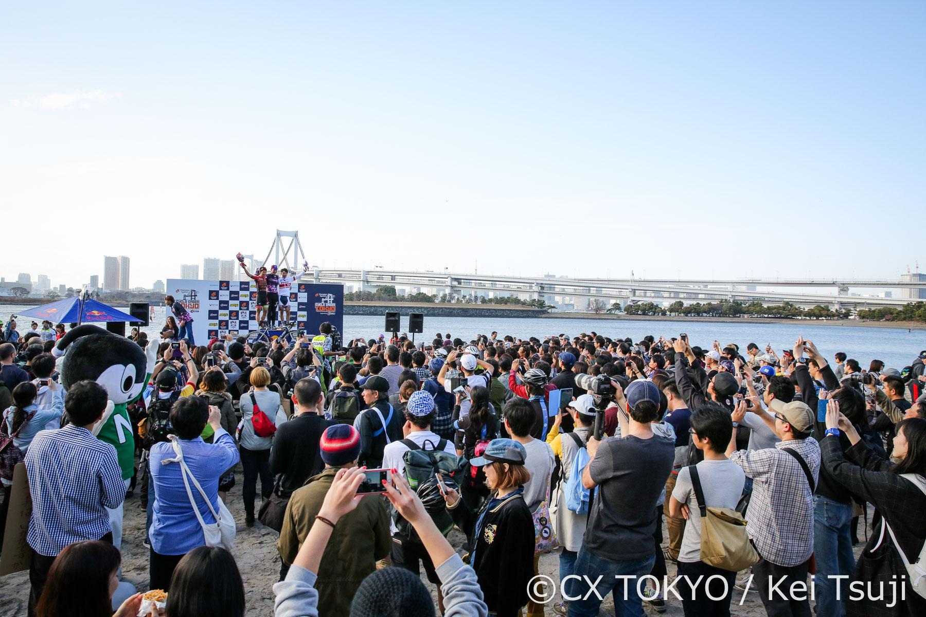 ドラマの応酬!全天候のシクロクロス東京!
