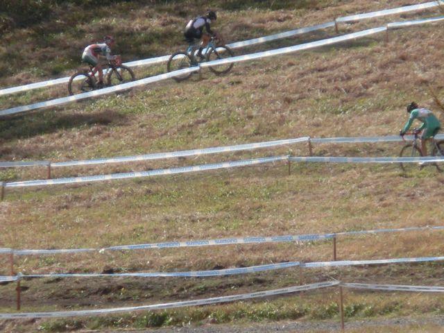 https://www.cyclocross.jp/news/2018/2018_1014CXShirakabako0581.JPG